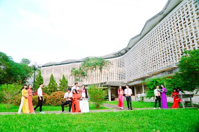 Trường Đại học Sư phạm Huế là môi trường học tập với nhiều điều kiện rất tốt tại miền Trung & Tây Nguyên