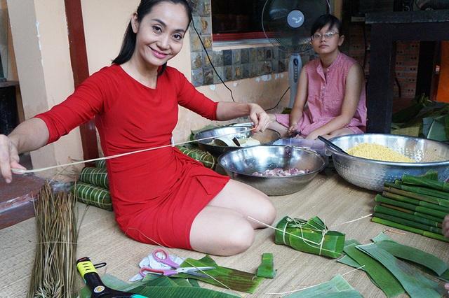 Tuy nhiên, nữ nghệ sĩ luôn cảm thấy vui vẻ và hạnh phúc khi được bận rộn chuẩn bị mọi thứ cùng gia đình.