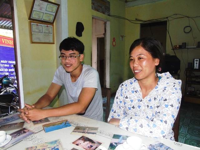 Hoàn cảnh khó khăn nên Hầu Hải Phong luôn cố gắng học tập, Phong luôn là niềm tự hào của gia đình
