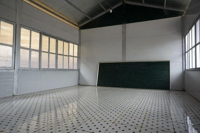 Từ nay sẽ yên tâm được học trong 5 phòng học mới khang trang, sạch đẹp