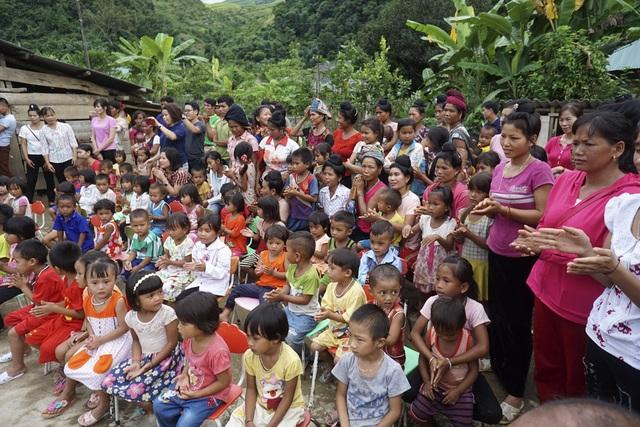 trong sự chứng kiến của người dân xã Mùn Chung vào chiều ngày 11/8/2017