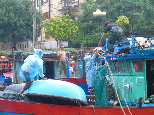 Công tác phòng chống bão số 10 tại Quảng Bình vẫn đang được triển khai hết sức khẩn trương