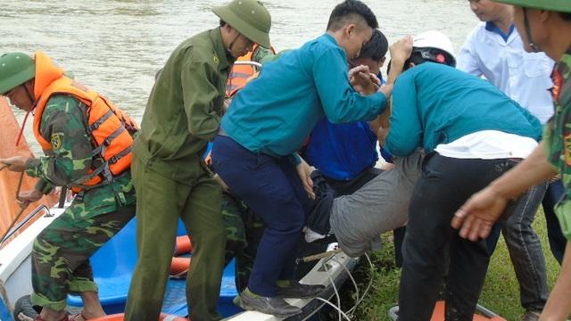 Thủy điện xả nước phục vụ diễn tập cứu người trong lũ - 6