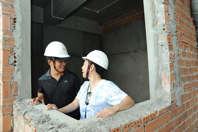 Không chỉ rút ngắn thời gian bàn giao nhà, Him Lam Phú An còn tạo điều kiện cho cư dân tương lại được trực tiếp giám sát chất lượng và tiến độ xây dựng tại công trình (Hình: Nguyên Vũ)