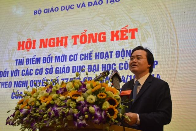 Bộ trưởng Bộ GD&ĐT Phùng Xuân Nhạ phát biểu tại hội nghị