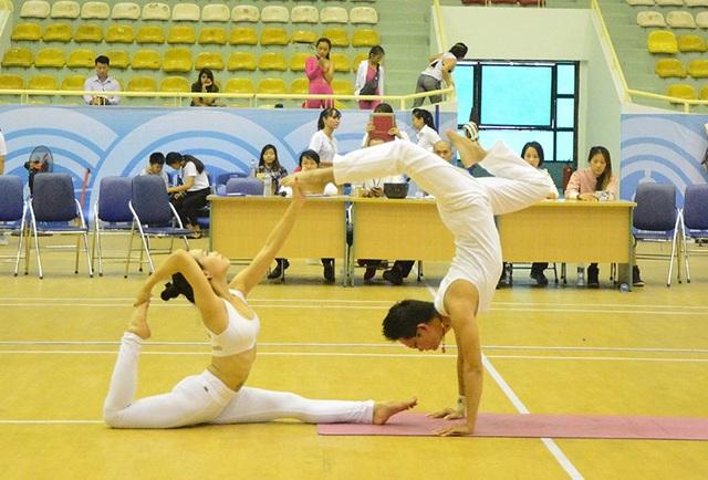 Cặp đôi Yoga nổi tiếng đất Hải Phòng vô địch giải Yoga toàn quốc - 4