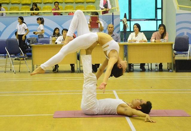 Cặp đôi Yoga nổi tiếng đất Hải Phòng vô địch giải Yoga toàn quốc - 3