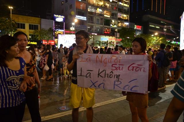 Hay khẩu hiệu là người Sài Gòn, là không xả rác