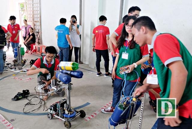Tham dự Robodnic 2017 có 26 đội thi; trong đó có 23 đội đến từ các trường THPT ở Đà Nẵng, 3 đội ở Quảng Nam
