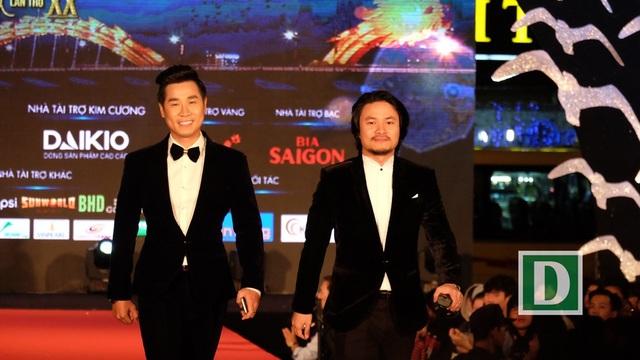 MC Nguyên Khang và tổng đạo diễn Liên hoan phim Việt Nam lần thứ 20 - Hoàng Nhật Nam