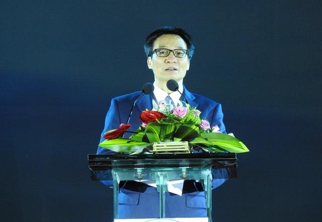 Phó Thủ tướng Vũ Đức Đam phát biểu tại lễ khai mạc Festival Biển Nha Trang - Khánh Hòa lần thứ 8
