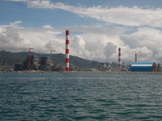 Đang quây phao đánh dấu vị trí nhận chìm 1 triệu m3 chất thải xuống biển - 3