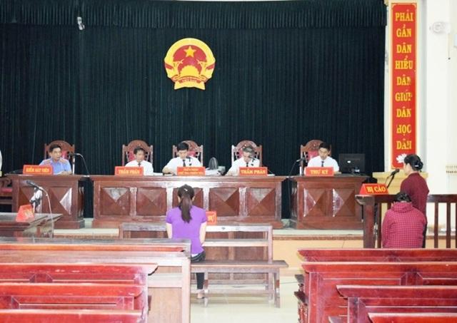 Trong phiên toà hình sự phúc thẩm, VKSND tỉnh Quảng Bình đã rút kháng nghị đối với bà Phan Thị Giang.