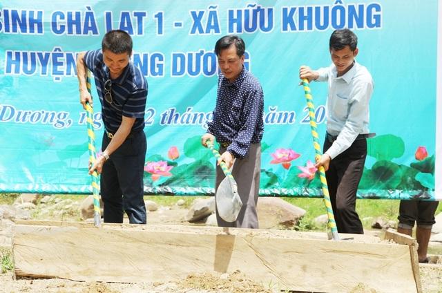 Chiếc cầu mang tên Dân trí đầu tiên tại mảnh đất xứ Nghệ được khởi công. Dự kiến vào đầu năm học mới sẽ chính thức khánh thành đưa vào sử dụng.