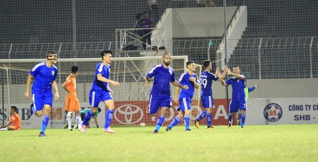 Quảng Nam mới là đội vượt lên dẫn trước.