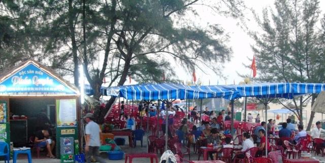 Các quán nhậu ở trên các tuyến đường ven biển thành phố Đồng Hới đã đông đúc trở lại