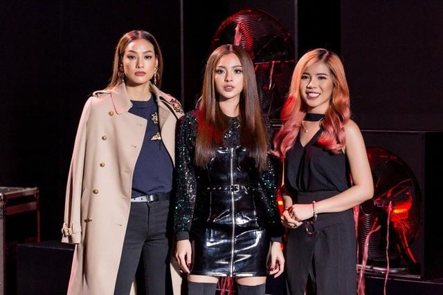 Trong thử thách giám khảo khách mời là Tú Hảo - Quán quân The Face mùa 2, người mẫu LiLy Nguyễn và Chang Makeup - Beauty blogger đầu tiên của Việt Nam.