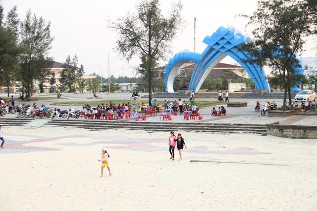 Bãi biển Cửa Việt khởi sắc sau thời gian dài chịu ảnh hưởng của sự cố môi trường