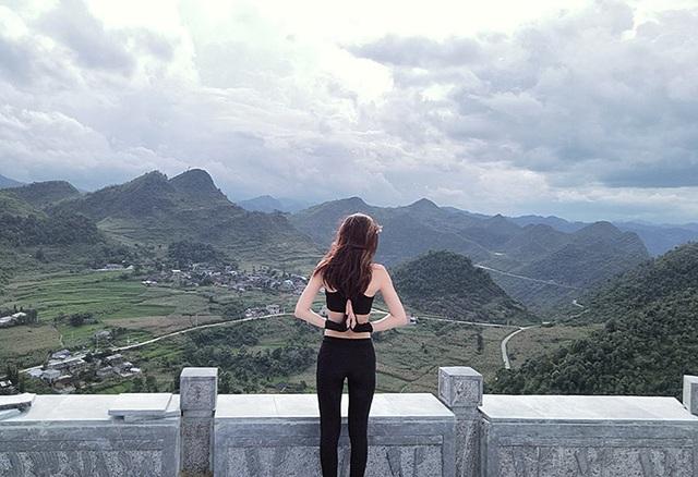 Những hình ảnh lưu trữ của Duyên trong những chuyến du lịch do cô dùng chân máy ảnh chụp lại.