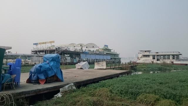 Chủ nhà nổi, du thuyền Hồ Tây kiến nghị hỗ trợ chi phí di dời bởi họ hoạt động tại đây cũng được cấp phép và đóng thuế đầy đủ (ảnh Trọng Trinh)