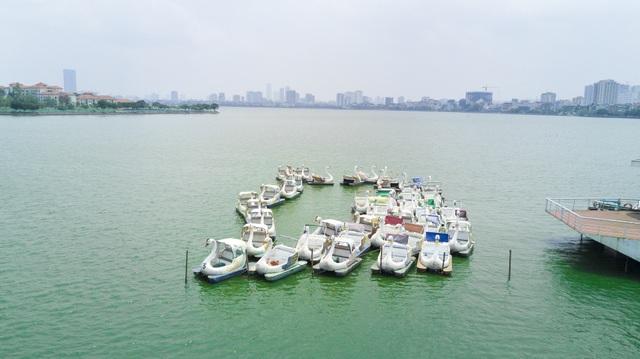 Tận mắt những du thuyền bạc tỷ hoang tàn ven hồ Tây - 6