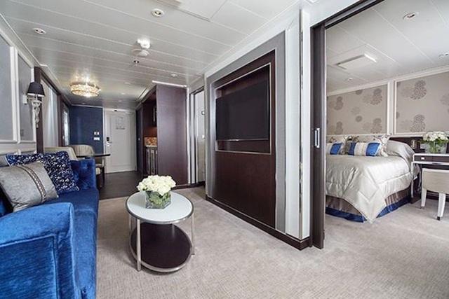 Sở hữu nhiều hạng vé khác nhau với giá khởi điểm từ 10.000 USD tương ứng với kích thước và chất lượng của cabin mà hành khách sẽ được trải nghiệm. Song nhìn chung, dù là ở hạng vé nào thì chất lượng và độ xa hoa của những cabin này đều không thể chê vào đâu được. Mỗi khoang luôn có các tiêu chuẩn cơ bản như phòng khách, phòng ngủ và ban công riêng.