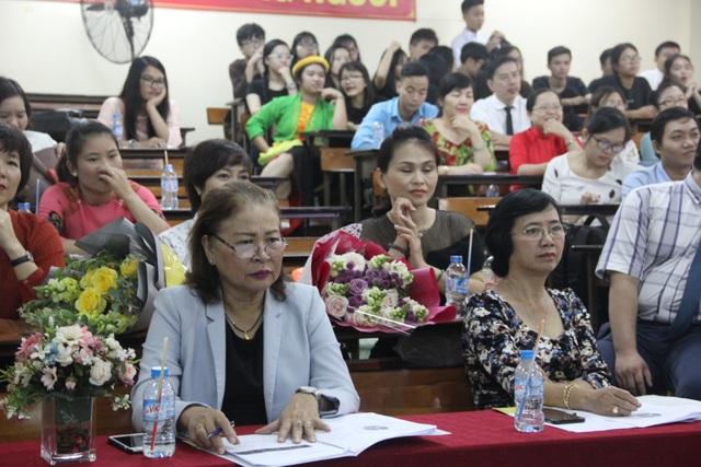 Tiết học có hơn 40 giáo viên dự giờ - 1