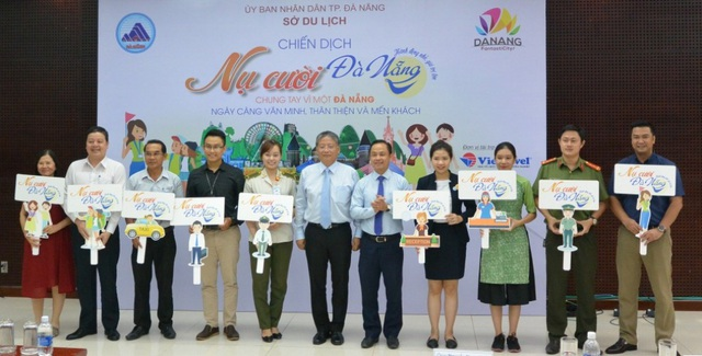 Chiến dịch Nụ cười Đà Nẵng chào đón APEC 2017 vừa được ngành du lịch thành phố chính thức phát động chiều 19/9
