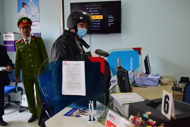Vụ cướp đã cảnh báo công tác bảo đảm an toàn của các ngân hàng hiện nay.