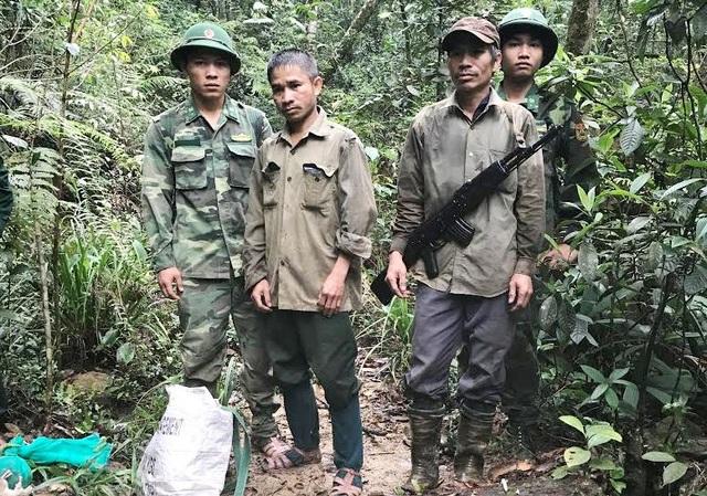 Khu vực lực lượng Đồn Biên phòng Nhâm bắt giữ 2 đối tượng
