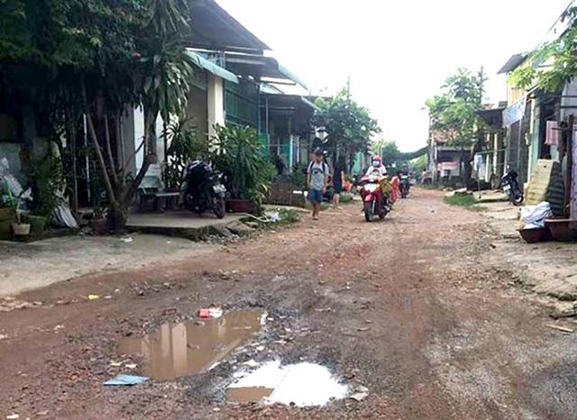 Dự án đầu tư quy hoạch xây dựng hạ tầng khu dân cư cho cán bộ, công nhân viên của Nhà máy dệt Thống Nhất tại phường Tân Biên đến nay hạ tầng vẫn nhếch nhác.