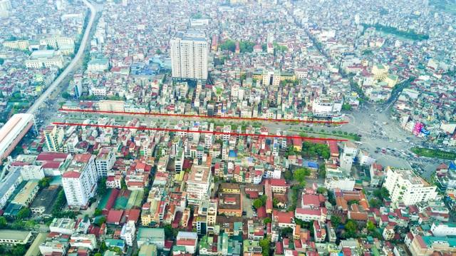 Thời điểm đó, tuyến đường này được mệnh danh là con đường đắt nhất Việt Nam, thậm chí đắt nhất hành tinh.