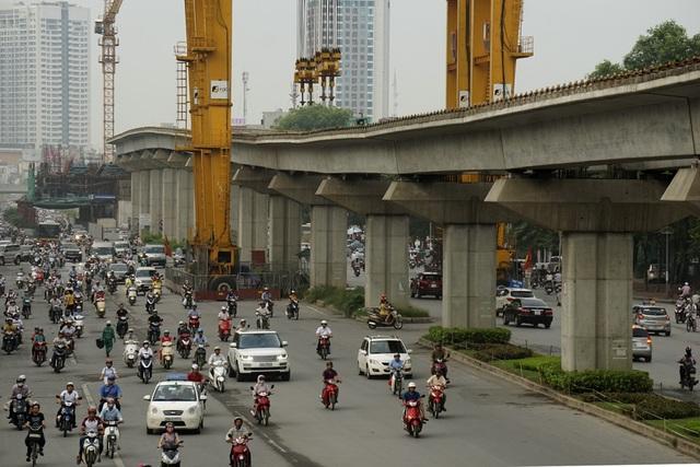 Đường sắt Cát Linh - Hà Đông, điển hình hóa của dự án chậm tiến độ, đội lên vốn lớn so với ban đầu khi Việt Nam vay vốn Trung Quốc và có tổng thầu Trung Quốc (ảnh minh hoạ)
