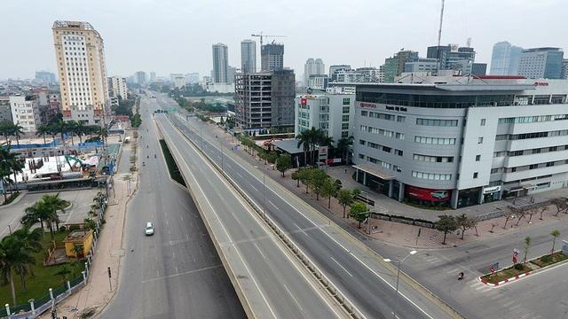 Cầu vượt Mai Dịch (Cầu Giấy) nhìn từ trên cao.