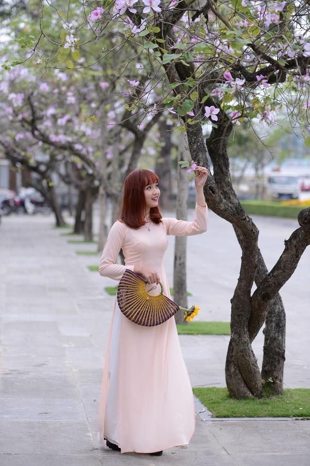 Nữ sinh Hà thành dịu dàng trong sắc hoa ban - 10