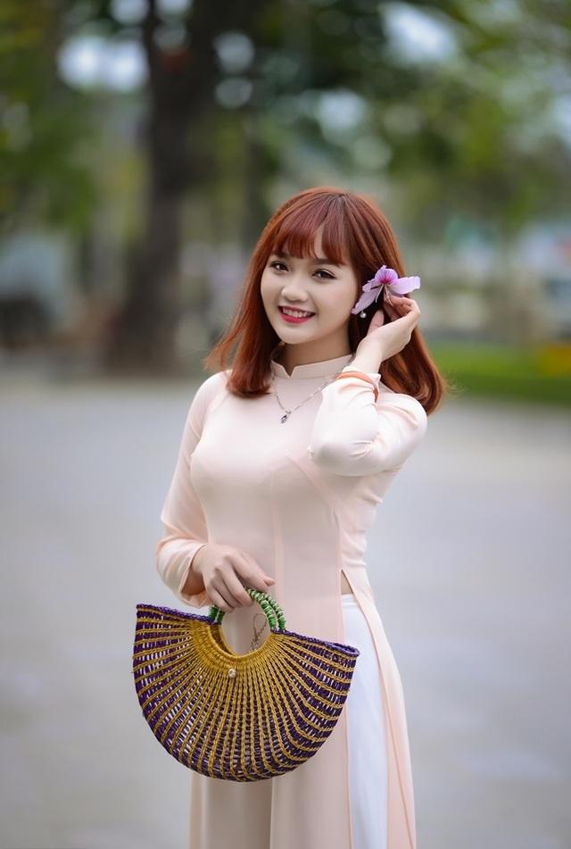 Nữ sinh Hà thành dịu dàng trong sắc hoa ban - 3