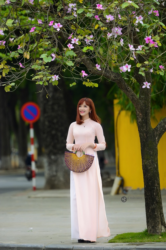 Nữ sinh Hà thành dịu dàng trong sắc hoa ban - 5