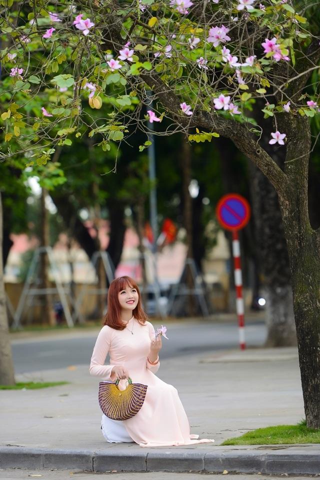 Nữ sinh Hà thành dịu dàng trong sắc hoa ban - 7