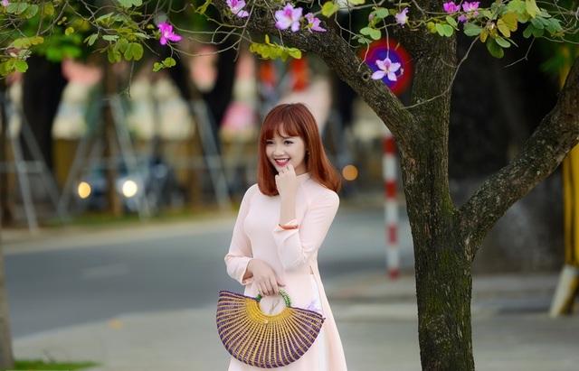 Nữ sinh Hà thành dịu dàng trong sắc hoa ban - 8