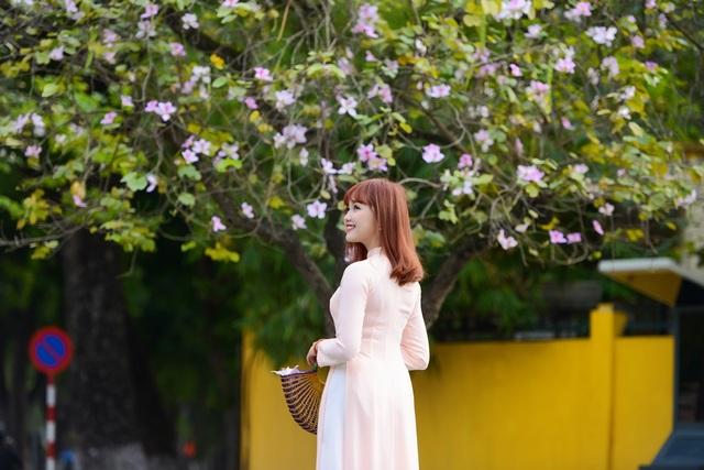 Nữ sinh Hà thành dịu dàng trong sắc hoa ban - 9