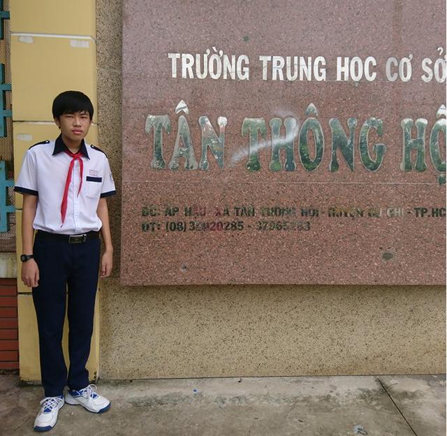 Duy Khang không đi học thêm, chỉ học tại trường và tự học trên mạng internet