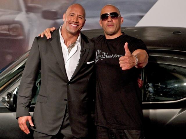 Hình ảnh thân thiết giữa Vin Diesel và Dwayne The Rock Johnson dường như sẽ không còn. Cựu đô vật 44 tuổi Dwayne The Rock Johnson từng nói Hãy tôn trọng mọi người, thời gian và giá trị của họ khi họ bước chân vào bộ phim hay công ty. Thực ra với bất kỳ team nào hay gia đình thì đều có xung đột. Gia đình sẽ có sự khác biệt về quan điểm và niềm tin cốt lõi cơ bản. Đối với tôi, xung đột có thể là một điều tốt, khi nó được giải quyết theo sau. Tôi đã lớn lên trong cuộc xung đột lành mạnh và chào đón nó. Xung đột cũng có thể giúp chúng ta sẽ trở nên tốt hơn.