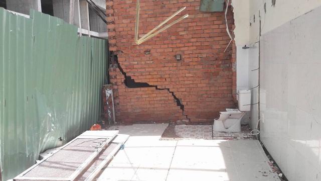 Một số hình ảnh nứt tường nhà dân gần công trình thi công dự án Opal Garden