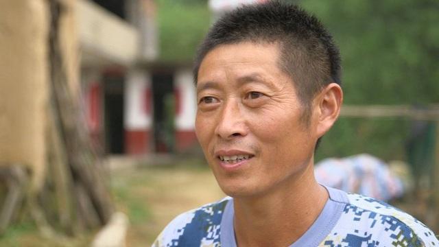 Dù rất cố gắng nhưng ở tuổi 43, anh Xiong ở Laoya vẫn chưa may mắn trong tình duyên