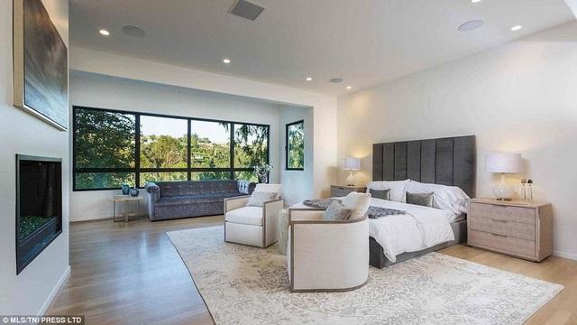 Nhà mới của Eva Longoria gồm 8 phòng ngủ, 10 phòng tắm