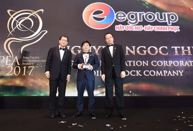Chủ tịch Egroup Nguyễn Ngọc Thủy nhận Giải thưởng Doanh nhân Châu Á - 1