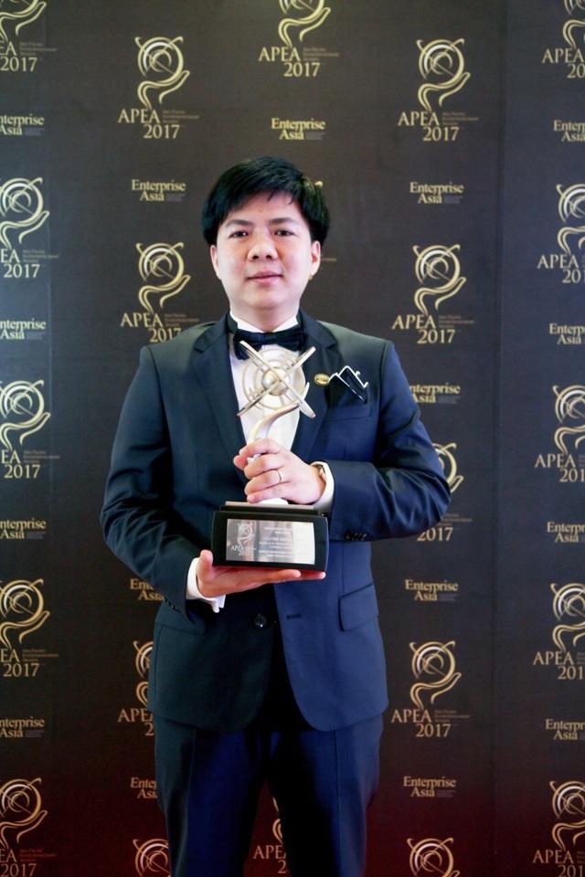 Ông Nguyễn Ngọc Thủy - Người sáng lập kiêm Chủ tịch HĐQT Tập đoàn Egroup được vinh danh tại lễ trao giải thưởng
