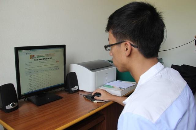 Em Minh tự tin với kết quả thi mà mình vừa đạt được và cảm thấy hài lòng