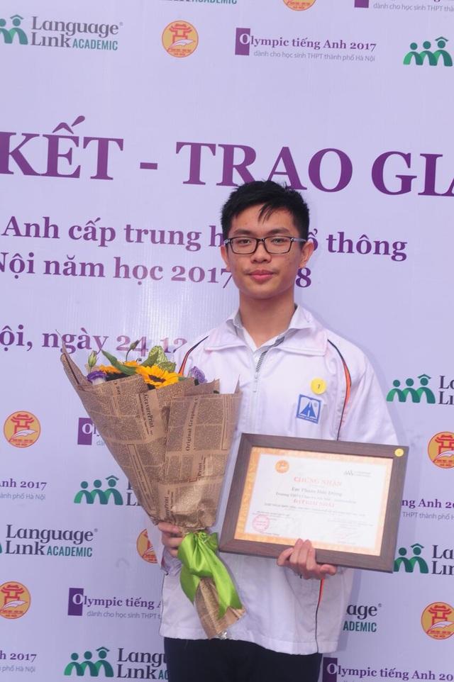 Em Phạm Đức Dũng, Quán quân Olympic tiếng Anh THPT năm học 2017 - 2018.
