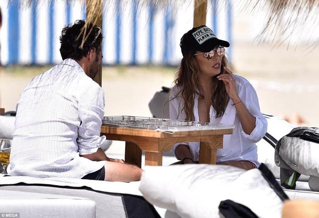 Người đẹp mới kết hôn lần 3 với chồng là José Antonio Bastón vào năm 2016